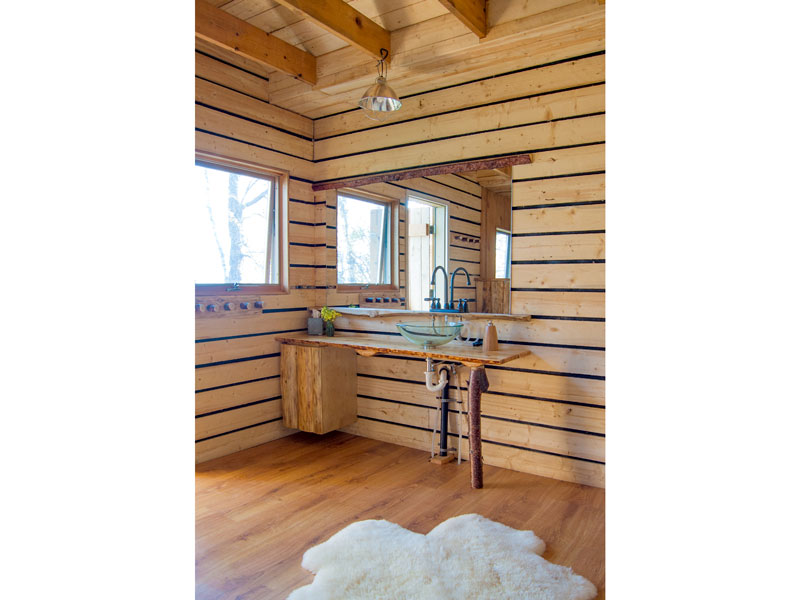 Custom woodworking at Chulitna Lodge Wilderness Retreat; www.justinbuilds.com